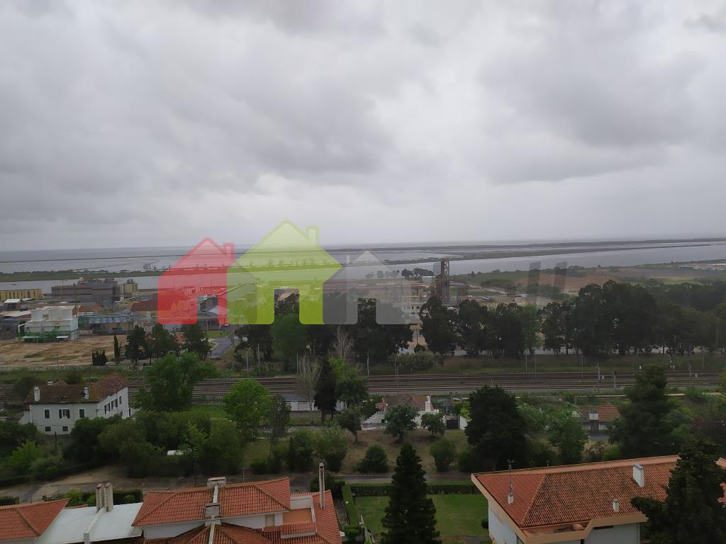 Venda Apartamento T3 em Póvoa de Santa Iria e Forte da Casa Vila Franca de Xira por 159.000