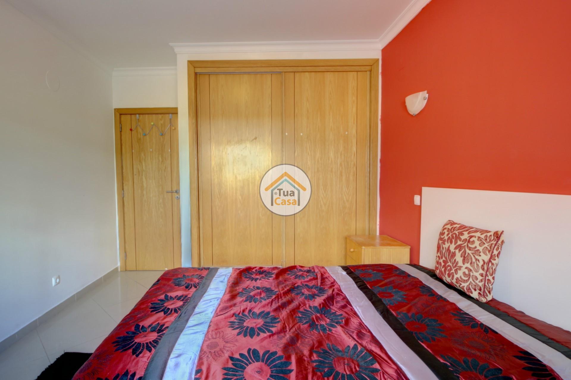 apartamento-quinta-joao-de-ourem-t2-garagem-estacionamento-rc-varanda-quintal (23)