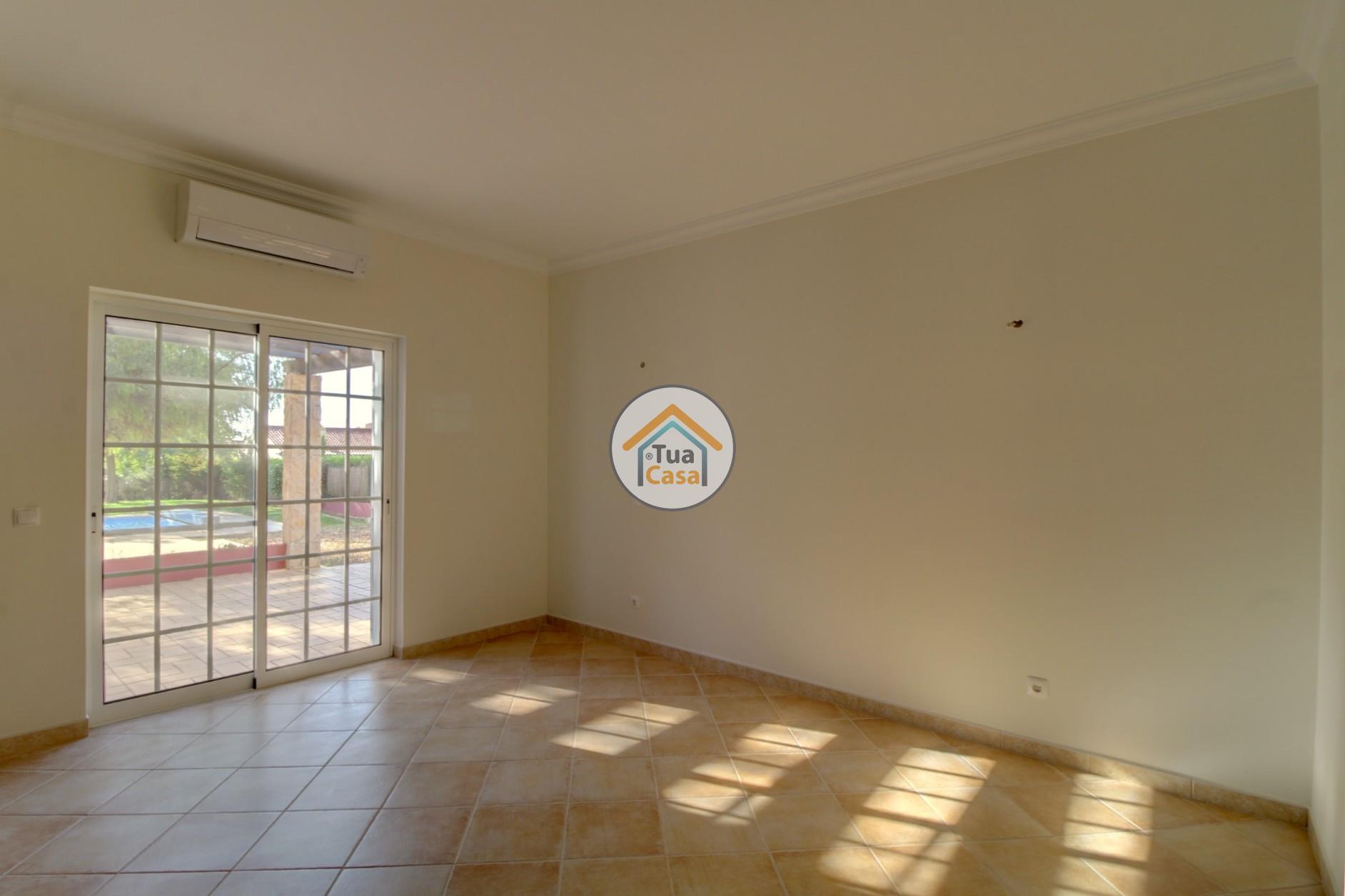 Moradia Isolada T4 Piscina Olhão Algarve (43)