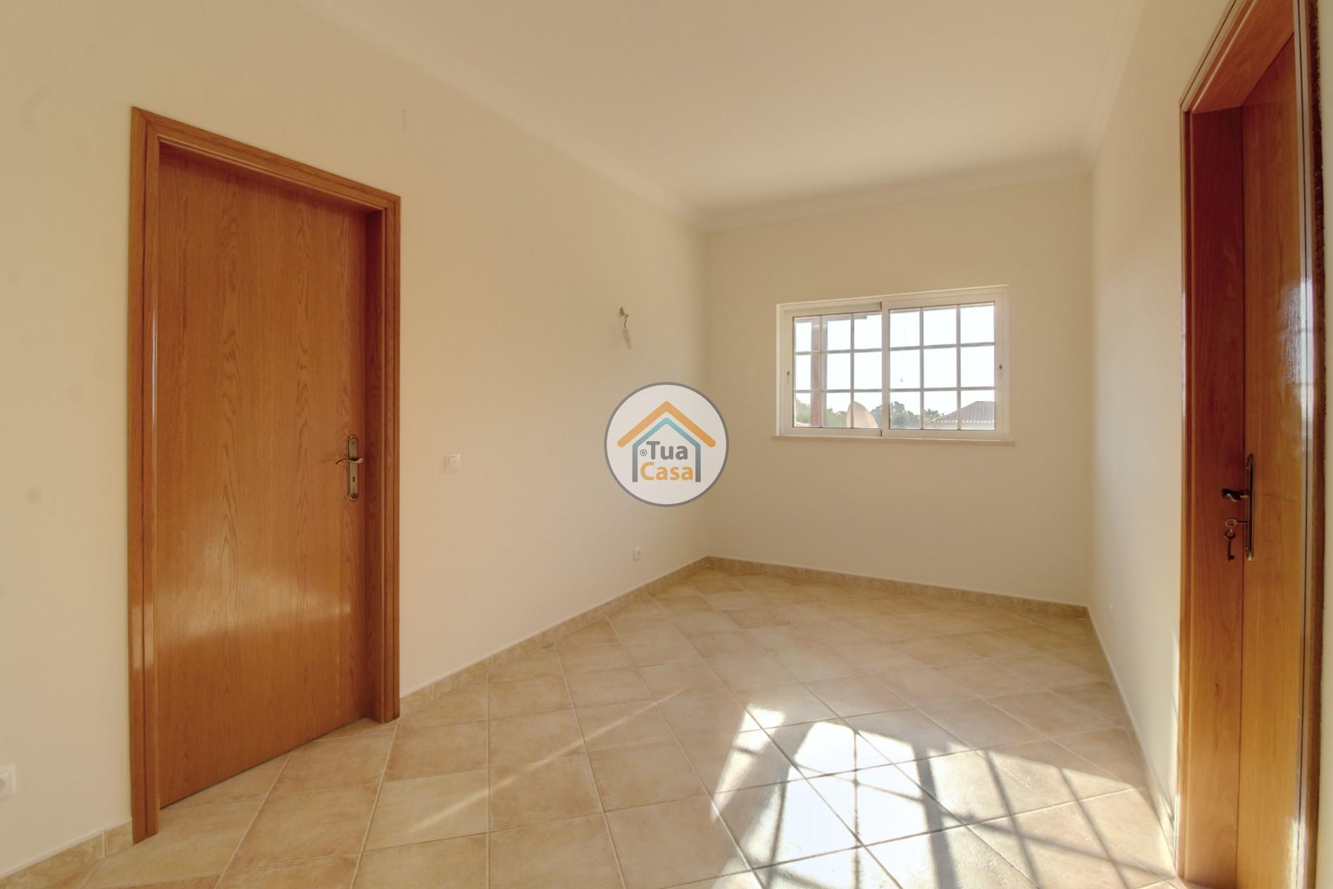 Moradia Isolada T4 Piscina Olhão Algarve (18)