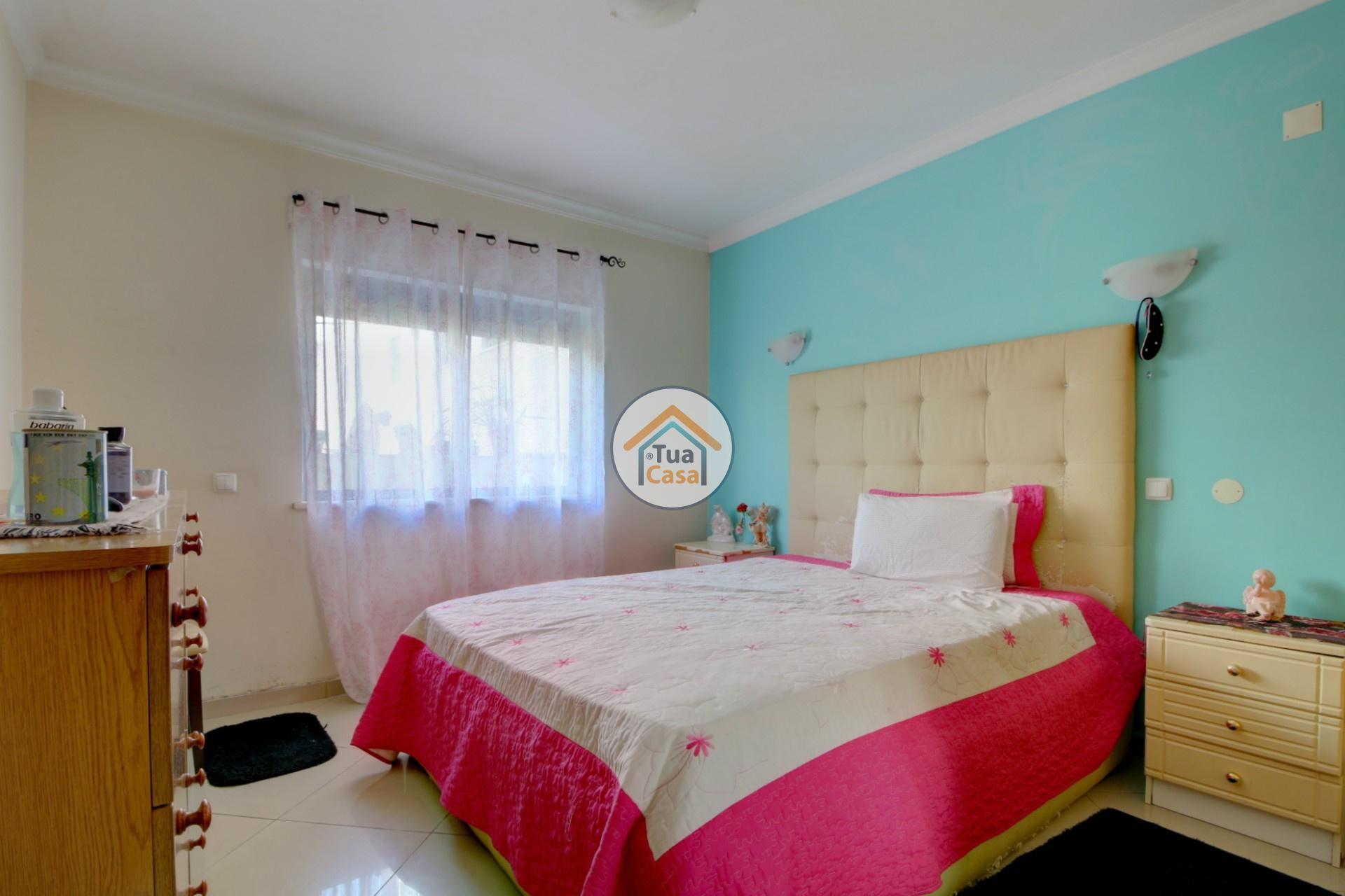 apartamento-quinta-joao-de-ourem-t2-garagem-estacionamento-rc-varanda-quintal (24)