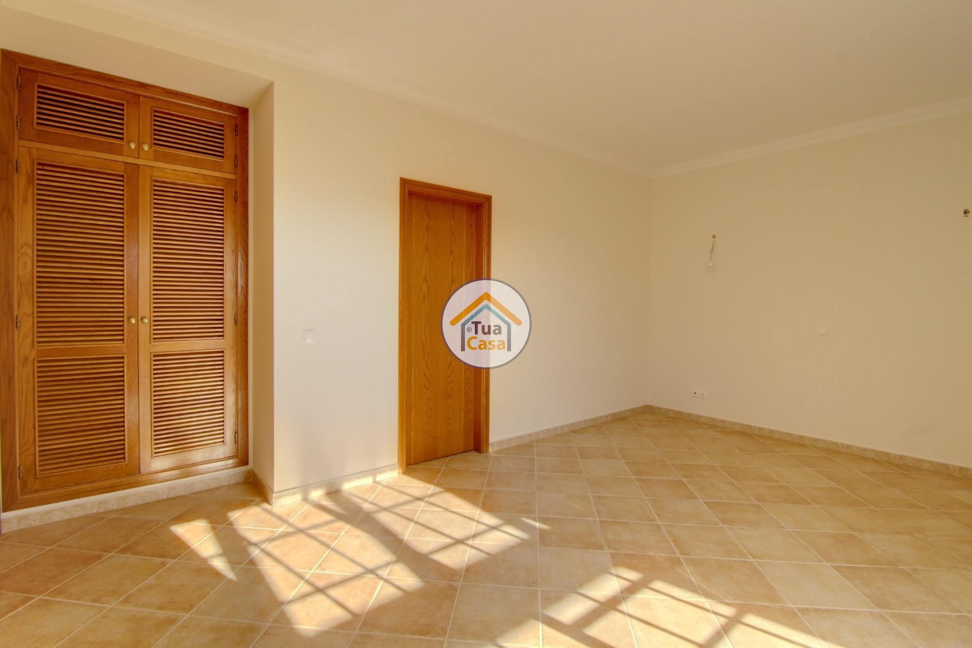 Moradia Isolada T4 Piscina Olhão Algarve (20)