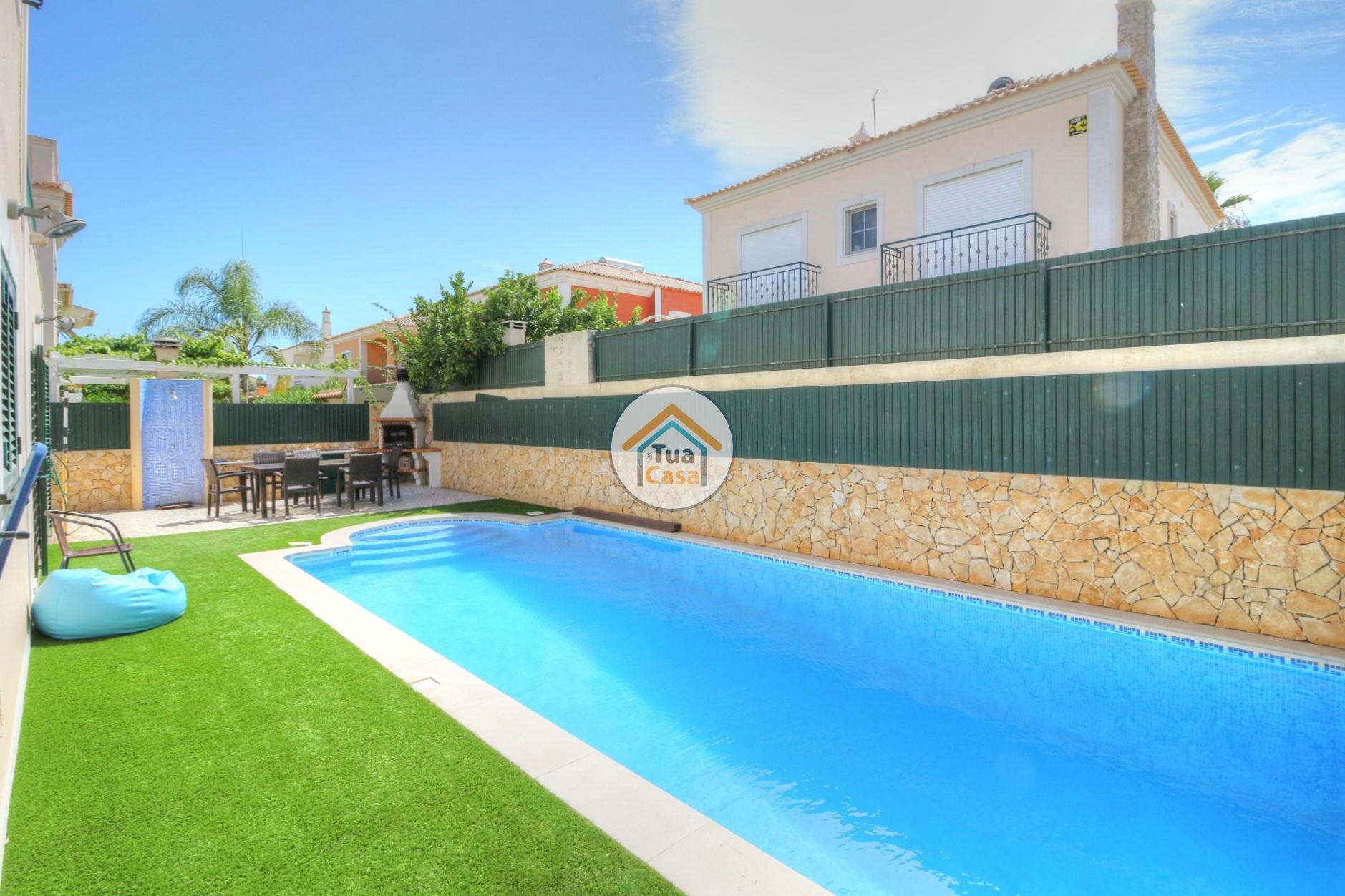 Moradia T4 Faro Montenegro Algarve Piscina (3)