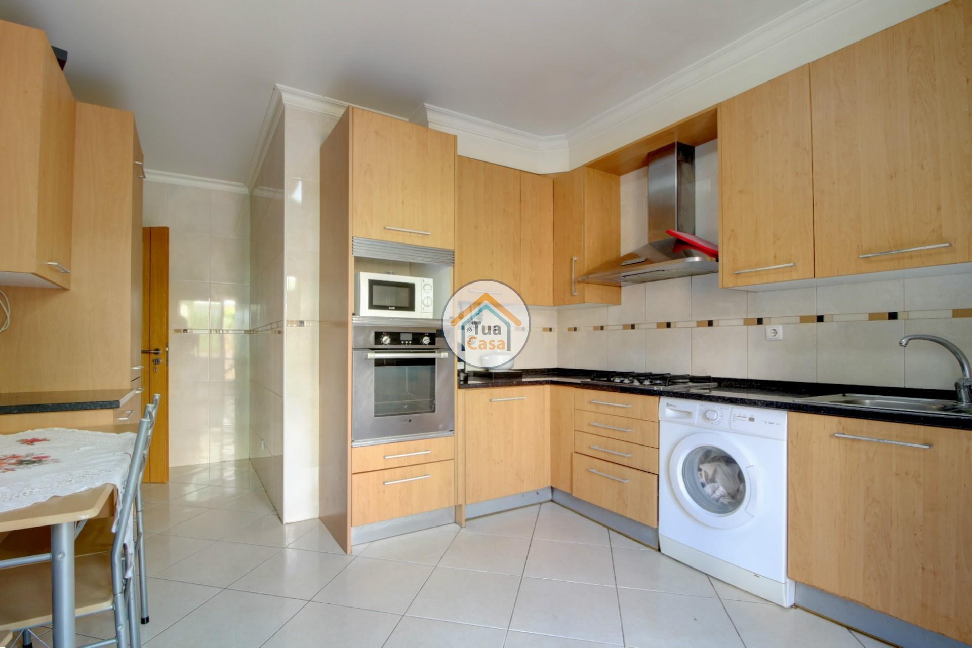 apartamento-quinta-joao-de-ourem-t2-garagem-estacionamento-rc-varanda-quintal (3)