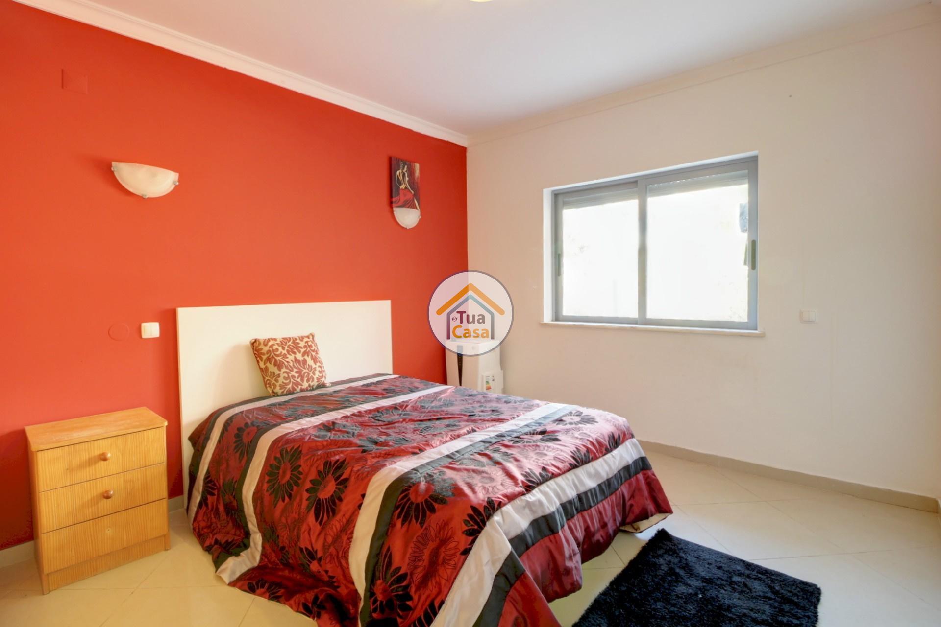 apartamento-quinta-joao-de-ourem-t2-garagem-estacionamento-rc-varanda-quintal (20)