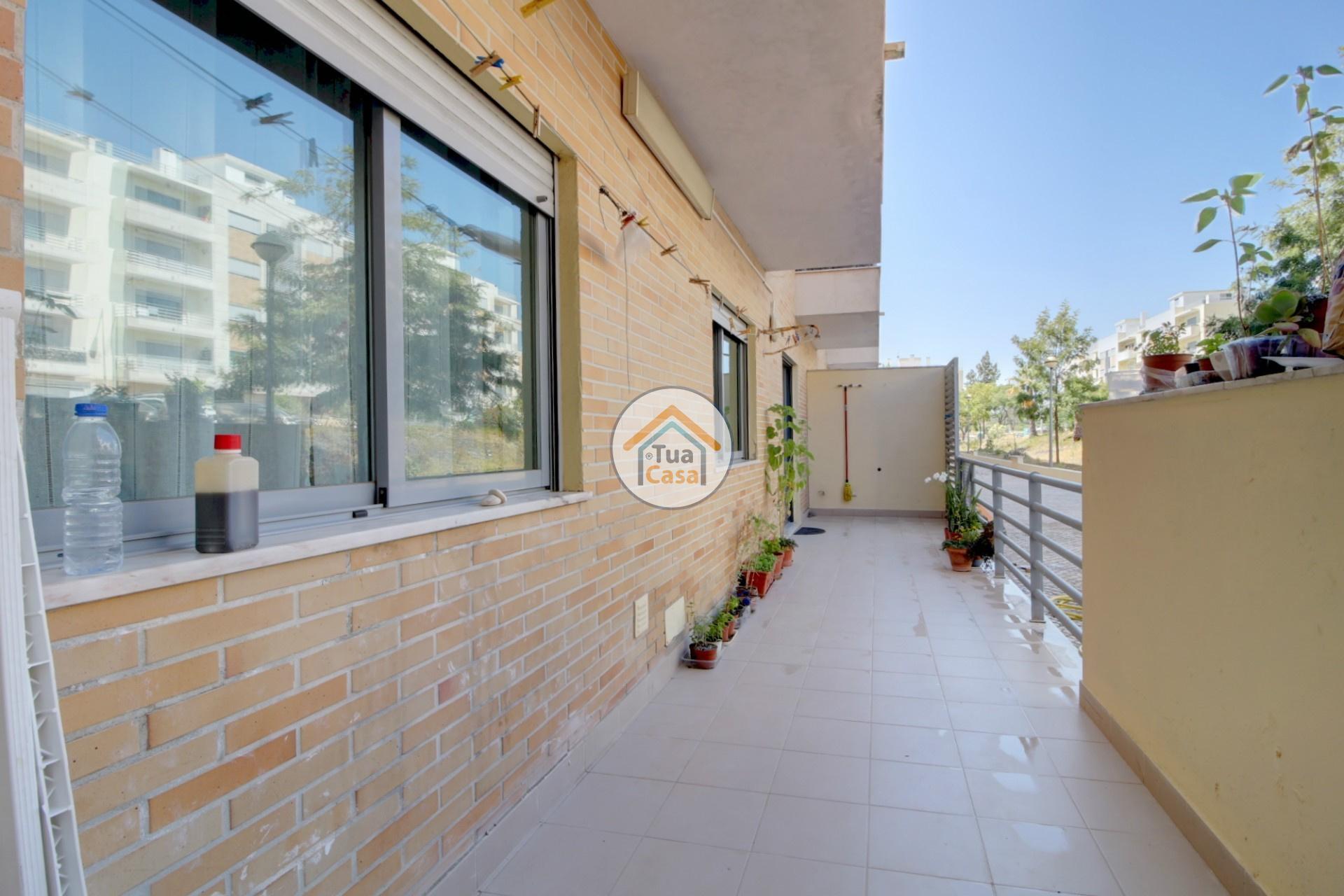 apartamento-quinta-joao-de-ourem-t2-garagem-estacionamento-rc-varanda-quintal (8)