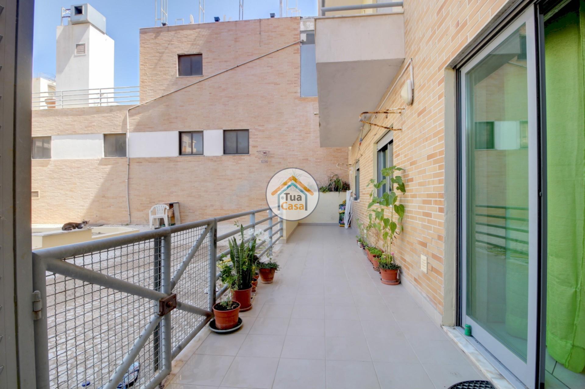 apartamento-quinta-joao-de-ourem-t2-garagem-estacionamento-rc-varanda-quintal (7)