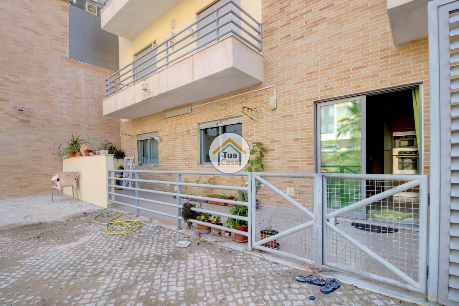 apartamento-quinta-joao-de-ourem-t2-garagem-estacionamento-rc-varanda-quintal (30)