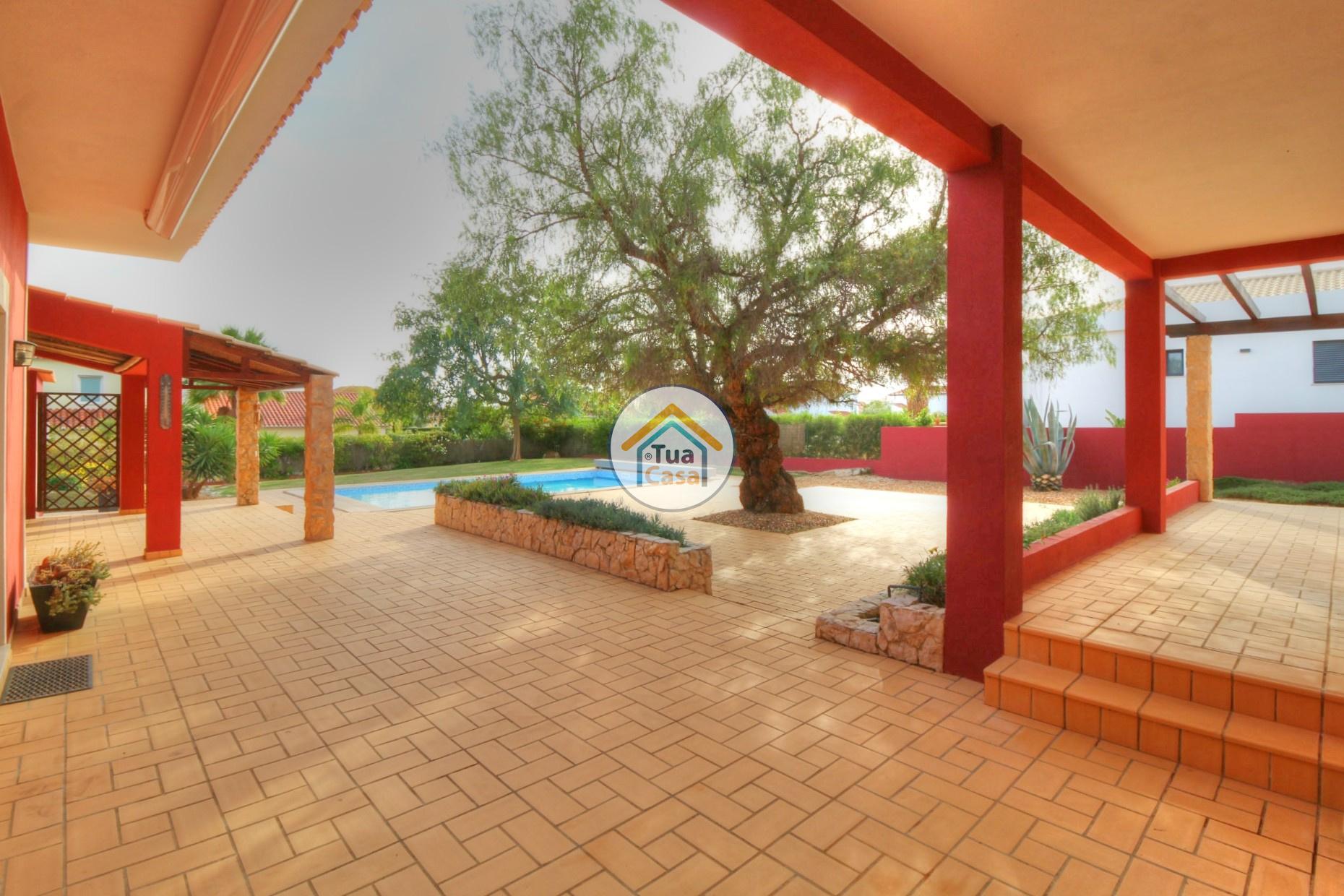 Moradia Isolada T4 Piscina Olhão Algarve (40)