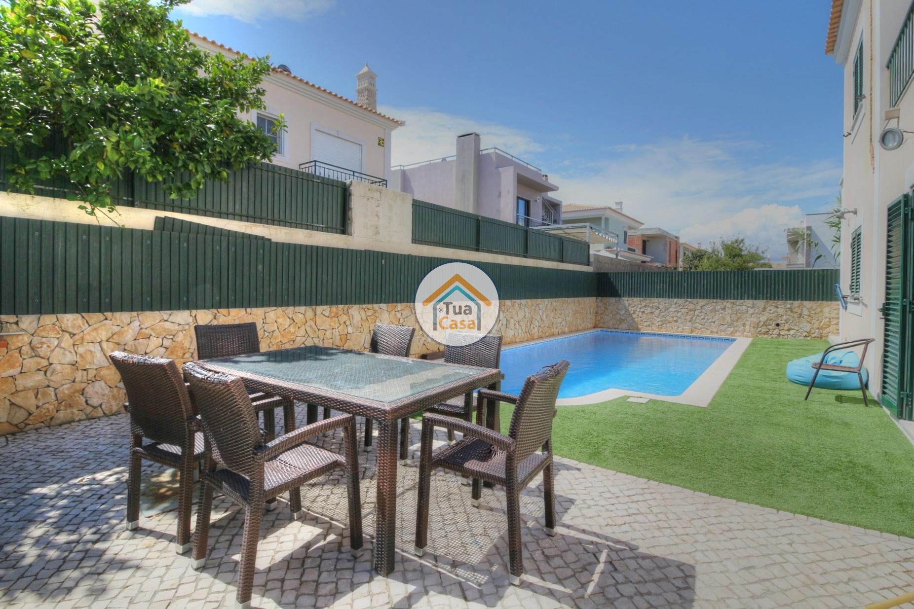 Moradia T4 Faro Montenegro Algarve Piscina (29)