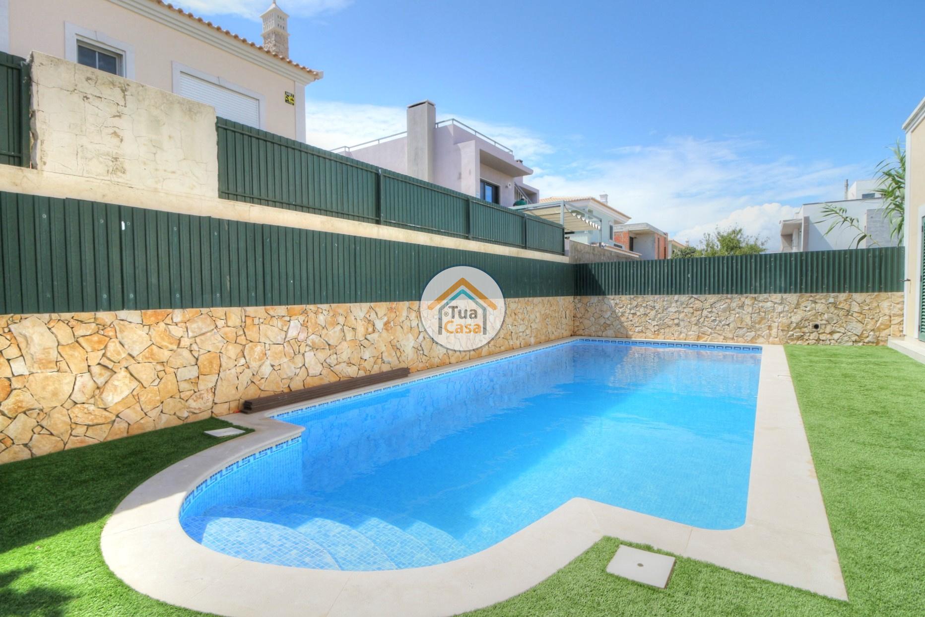 Moradia T4 Faro Montenegro Algarve Piscina (2)
