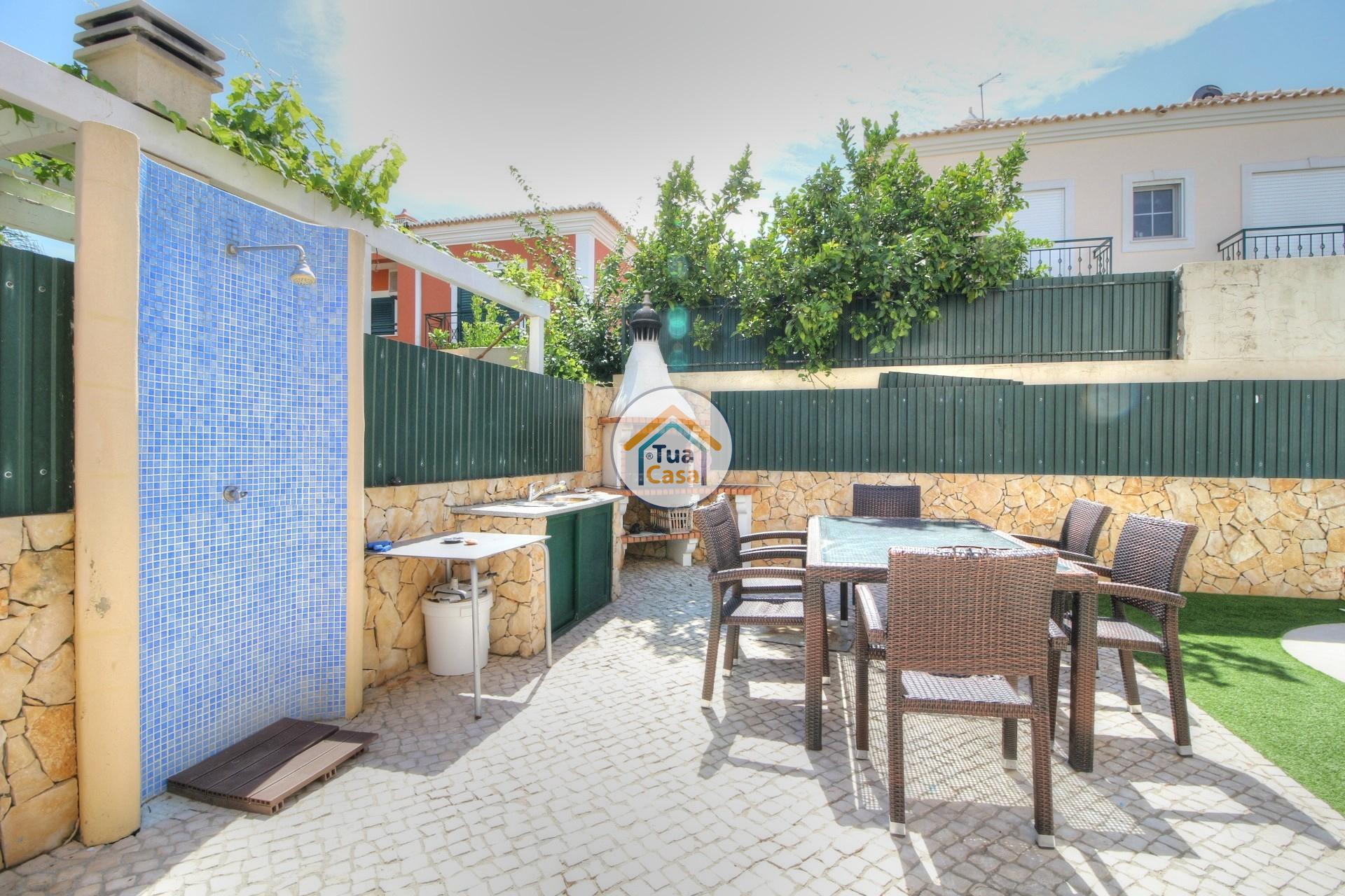 Moradia T4 Faro Montenegro Algarve Piscina (1)