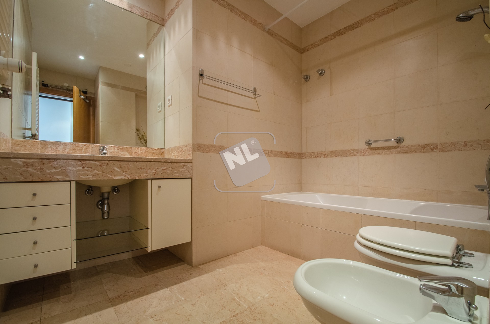 WC Suite 1