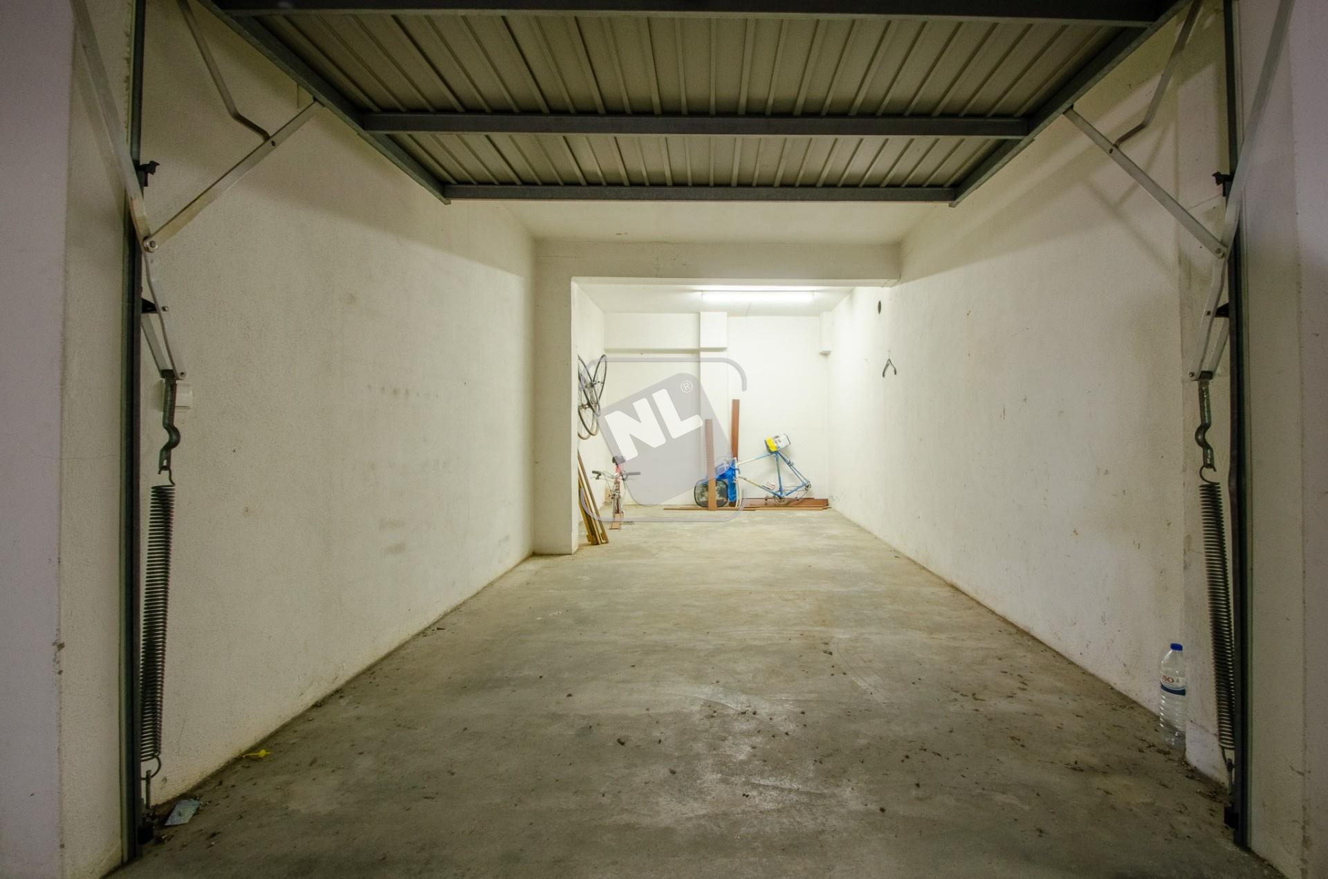 Box Garagem 2