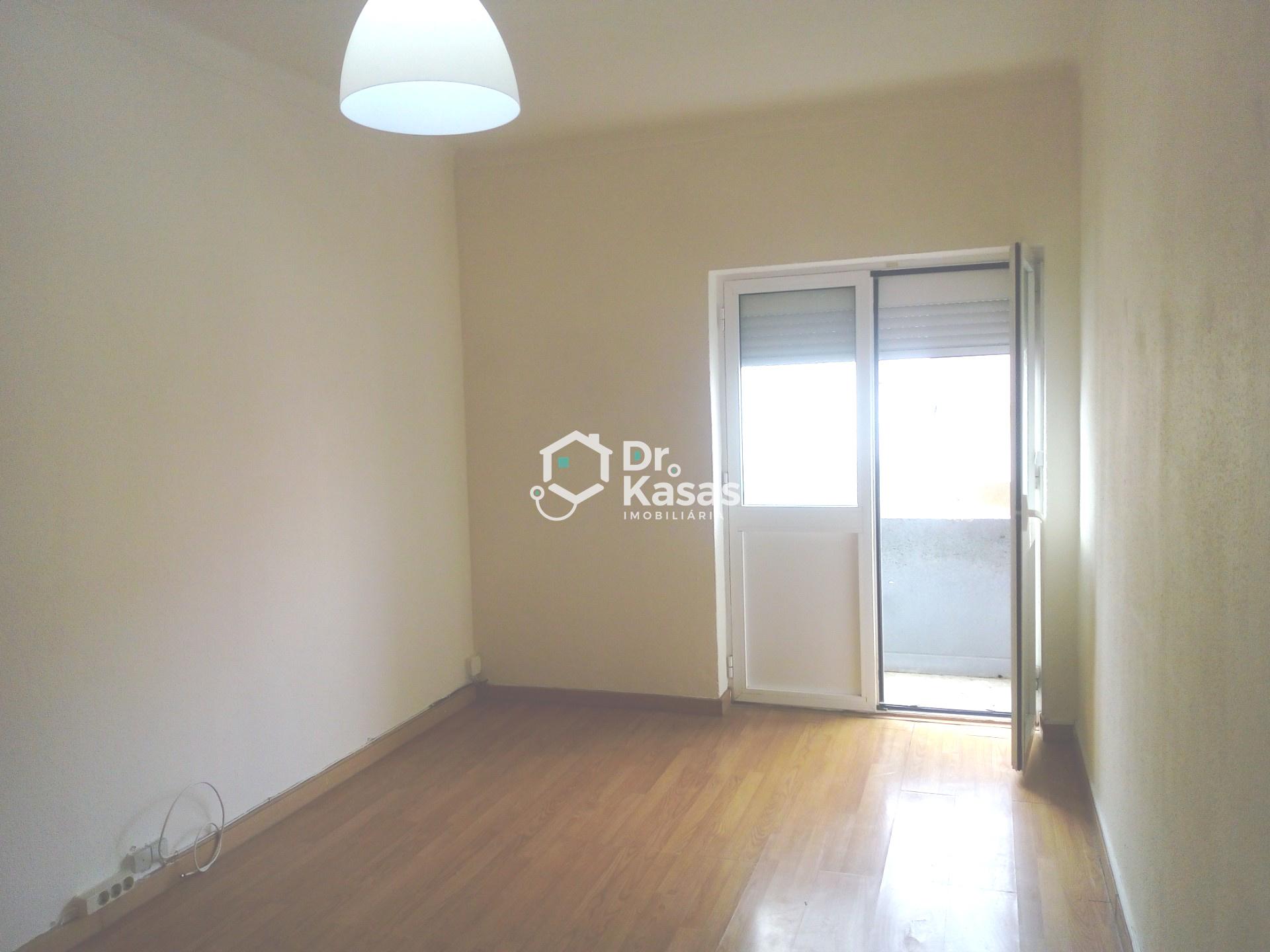 Apartamento T1 na Baixa da Banheira