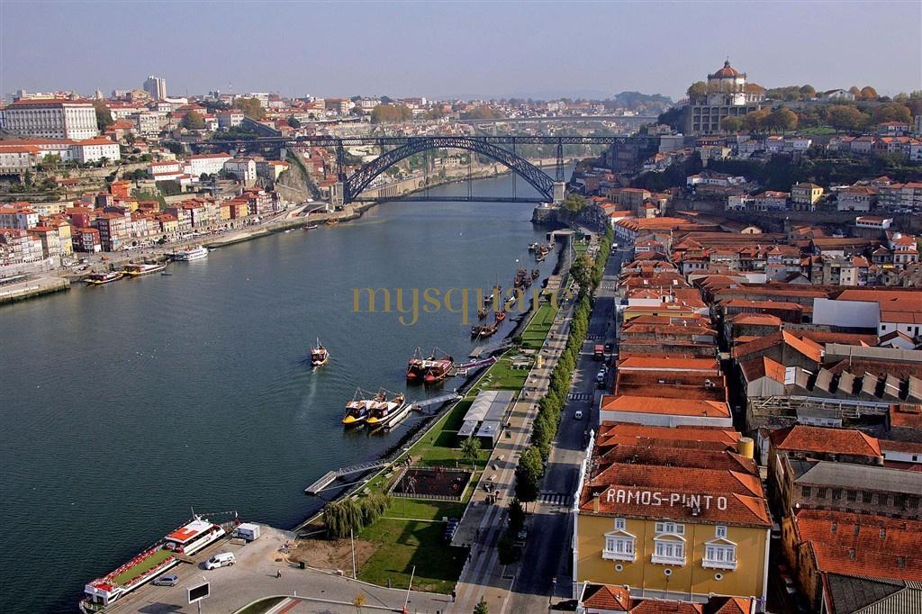 Lote no centro da cidade de Gaia, Porto - Habitação Multifamiliar e/ou Comércio e/ou Serviços