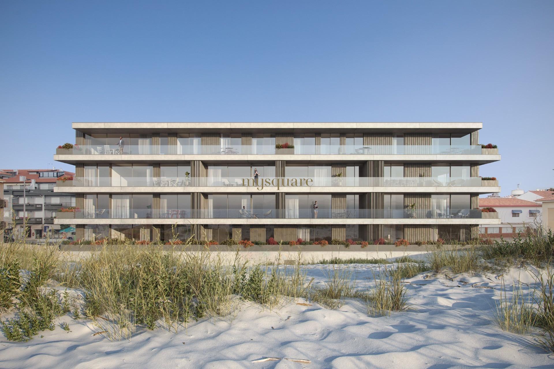 Apartamento T4 de luxo no último piso na primeira linha do mar, Praia da Barra, Aveiro