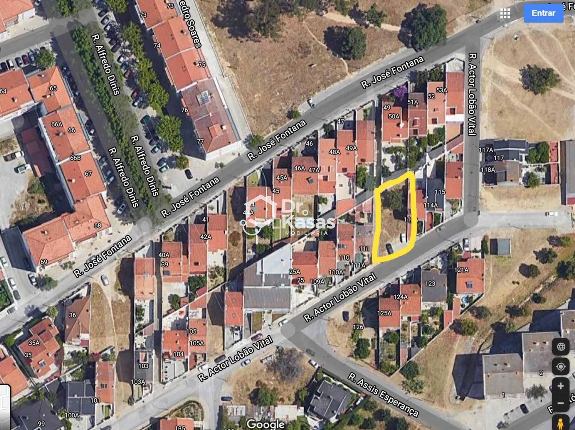 Terreno Urbano com 255m2 para Moradia de 2 Pisos