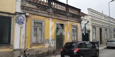 Casa  para reabilitar - Centro