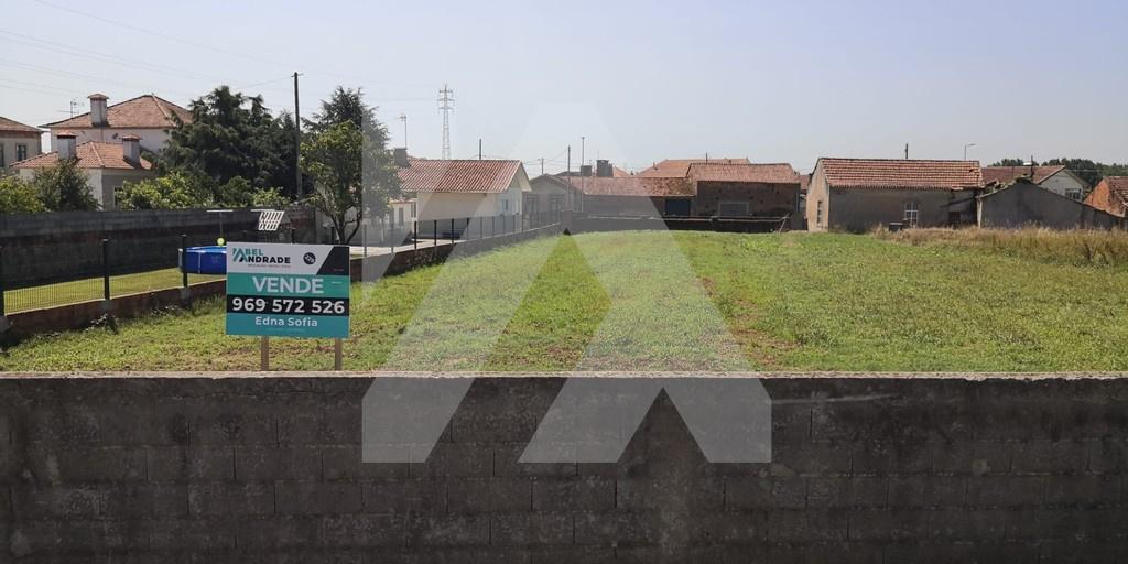 Terreno rústico com viabilidade de construção - Válega