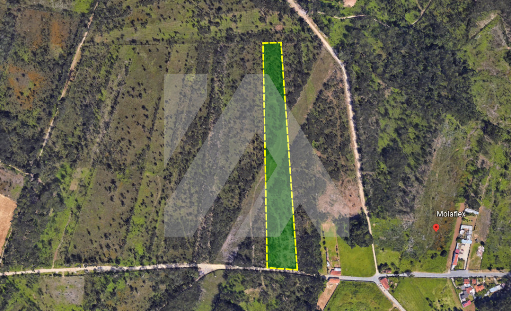 Terreno em Zona Industrial - Santa Maria da Feira