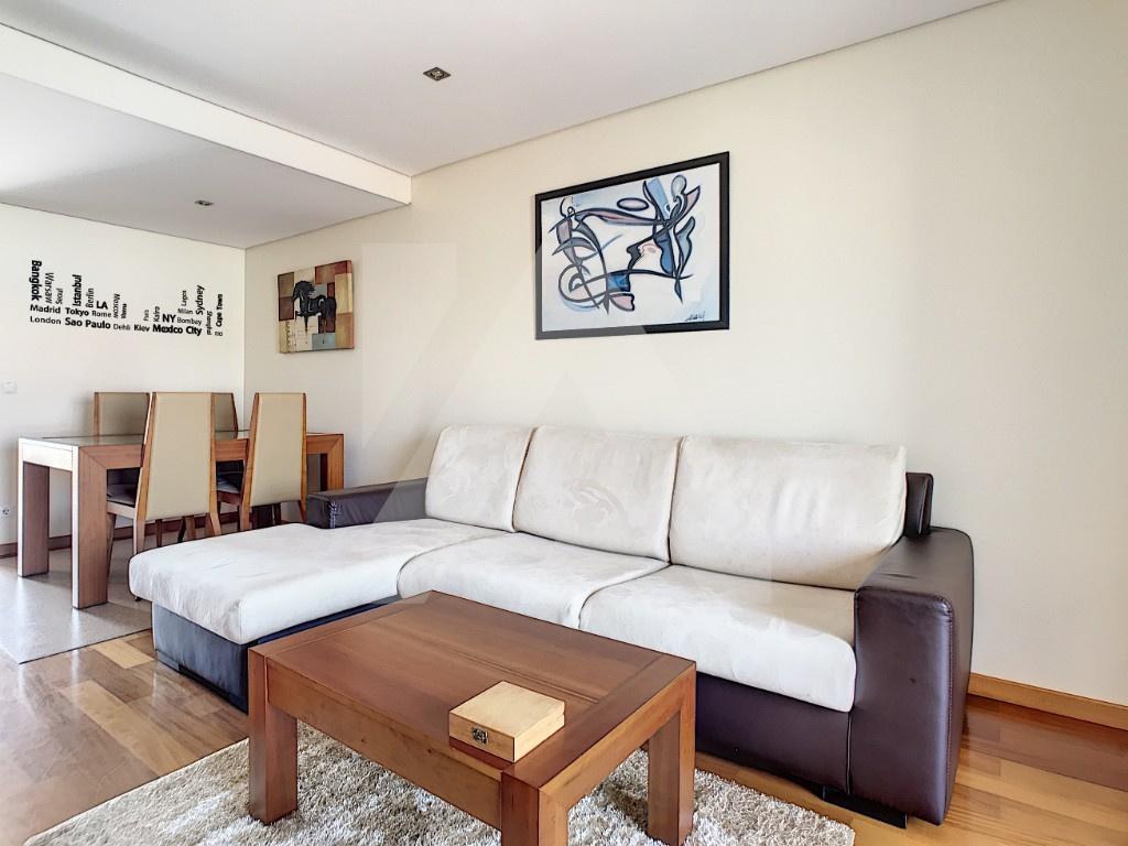 Apartamento T0 + Sotão