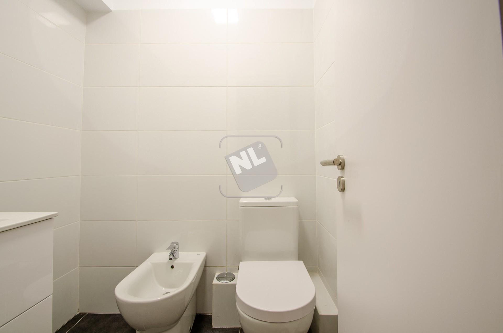 WC A2