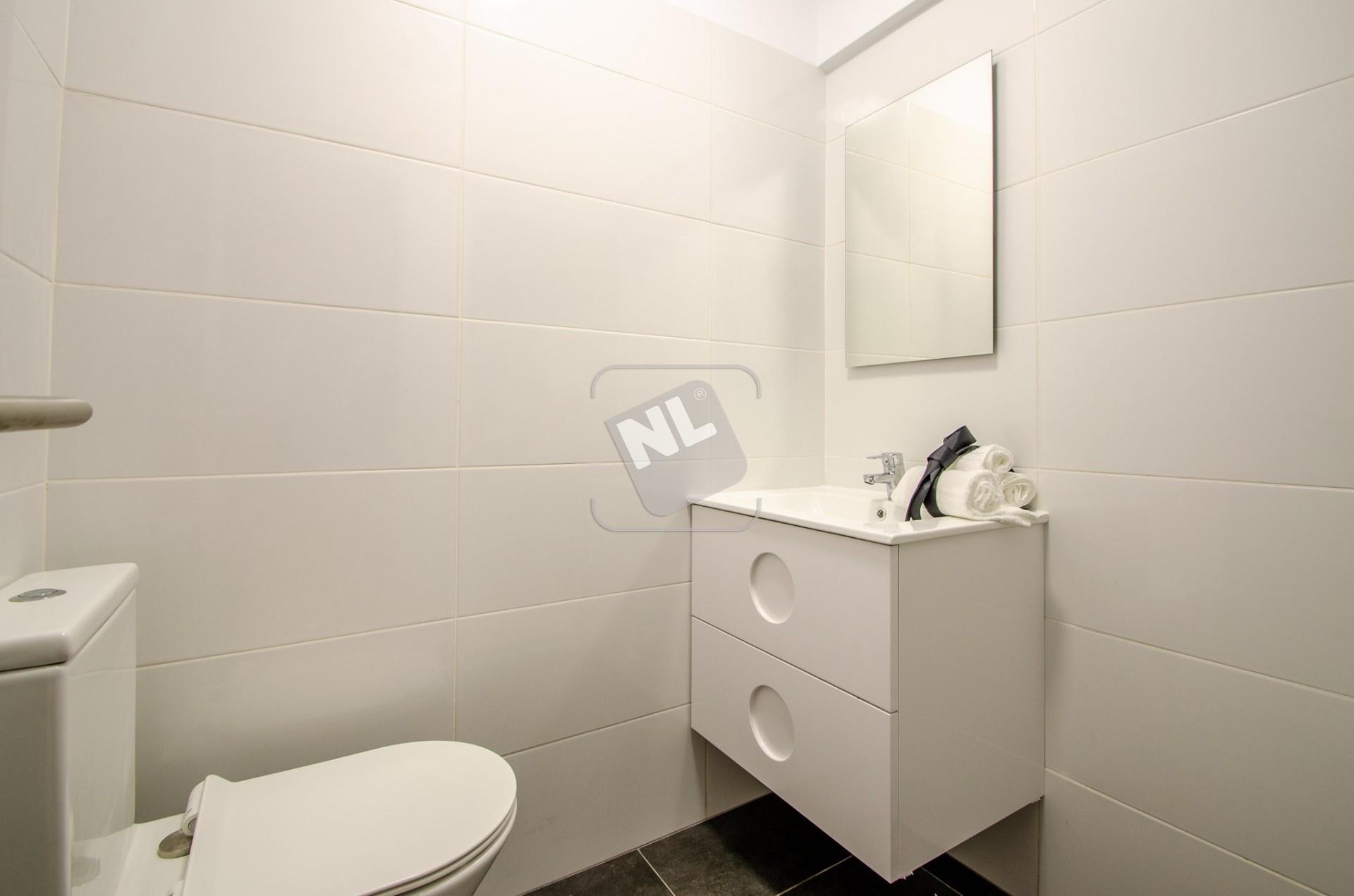 WC B1