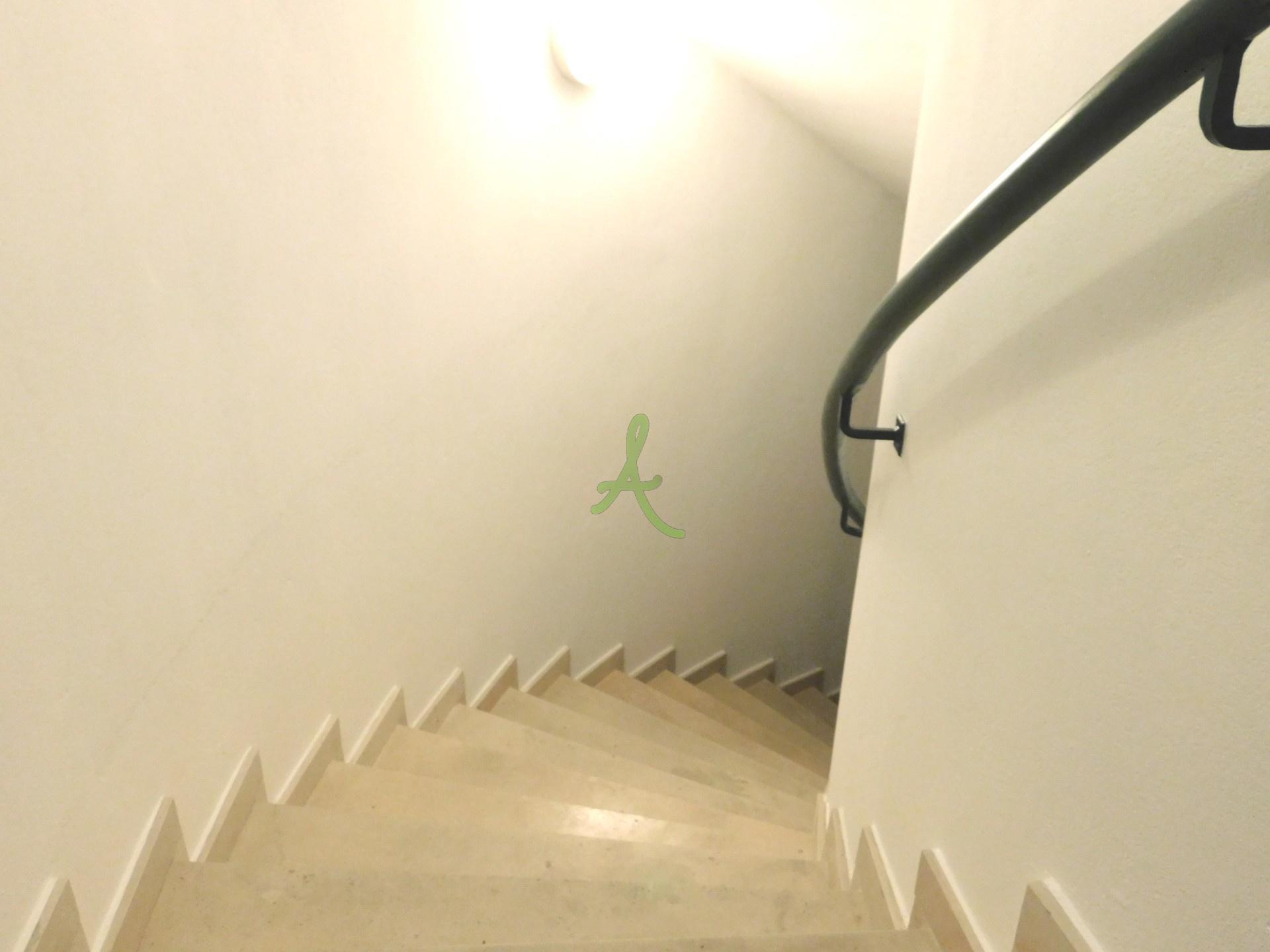 Escadas Cave