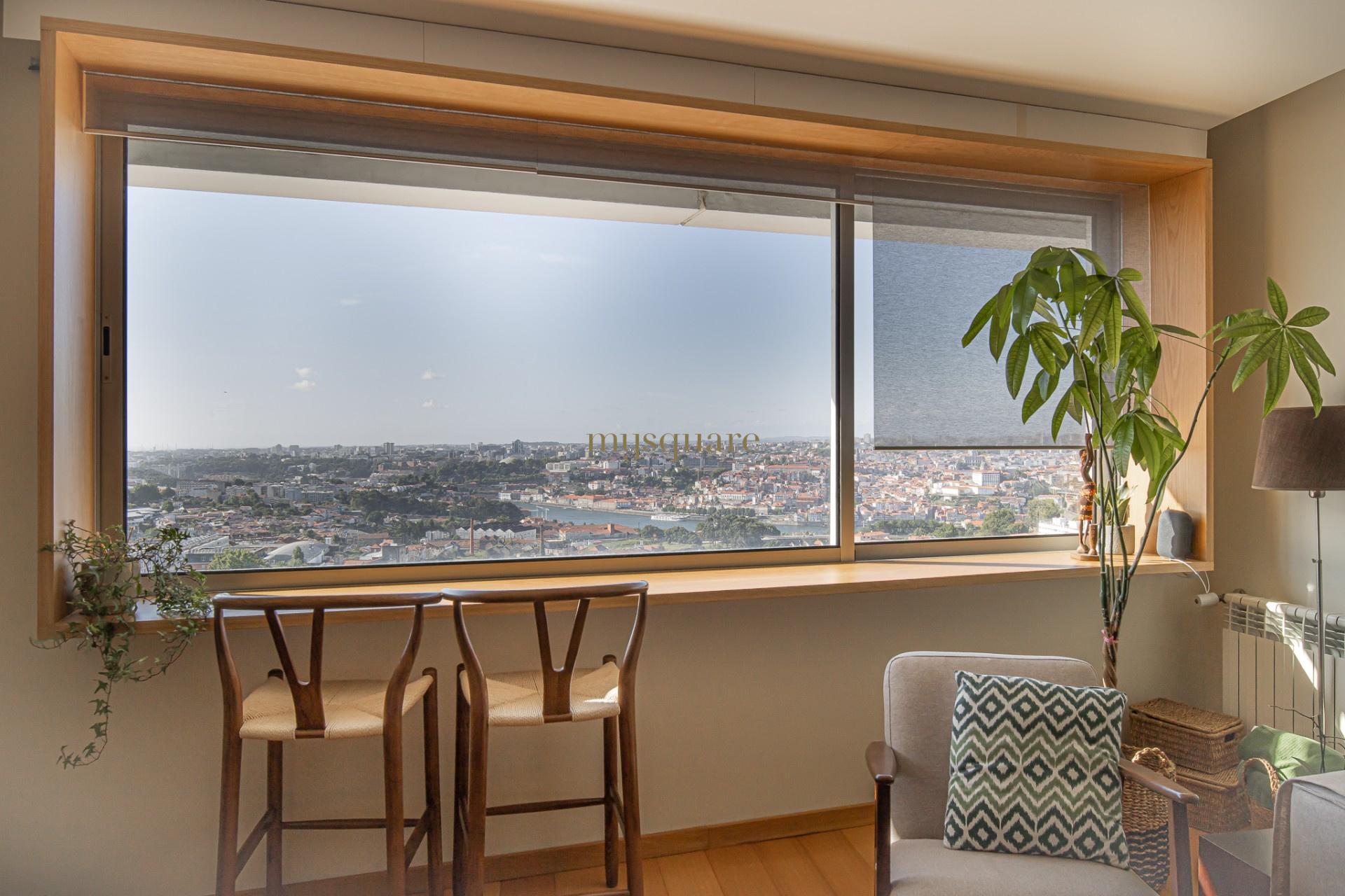 Apartamento T3 com Vista Mar e Vista Rio no centro de Vila Nova de Gaia, Porto