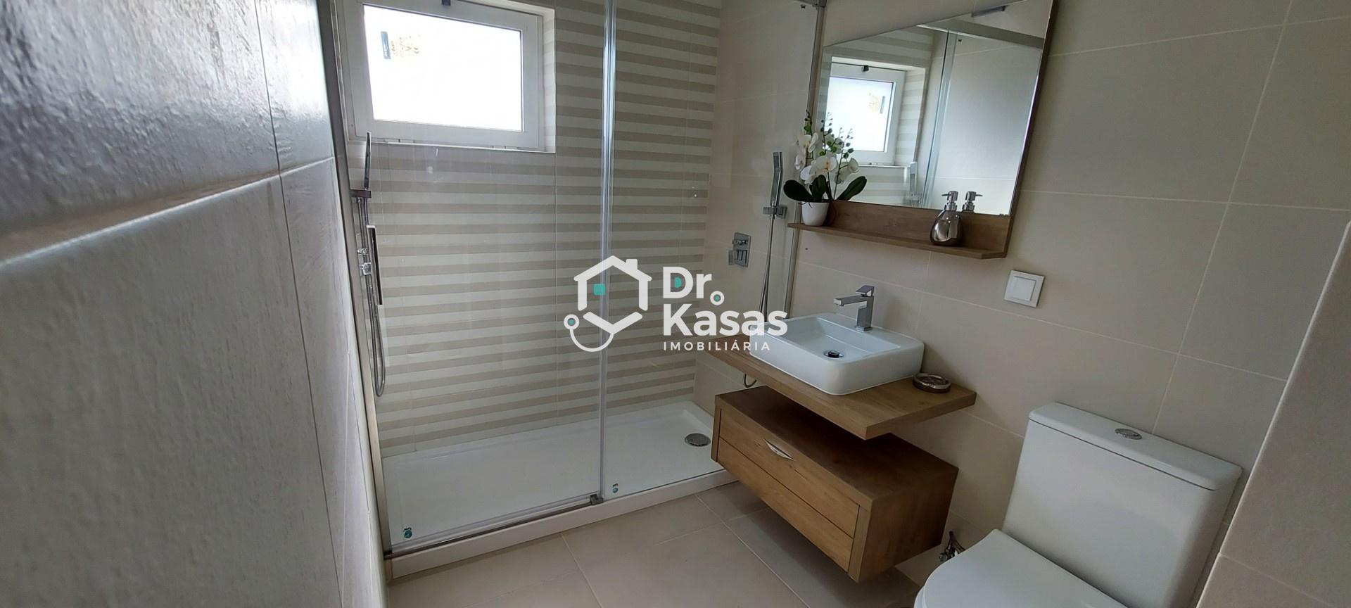 4 chambres à côté du continent de Barreiro
