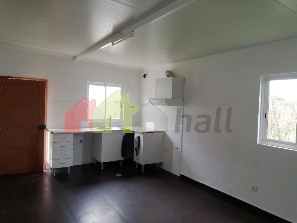 Cozinha em open space com salas