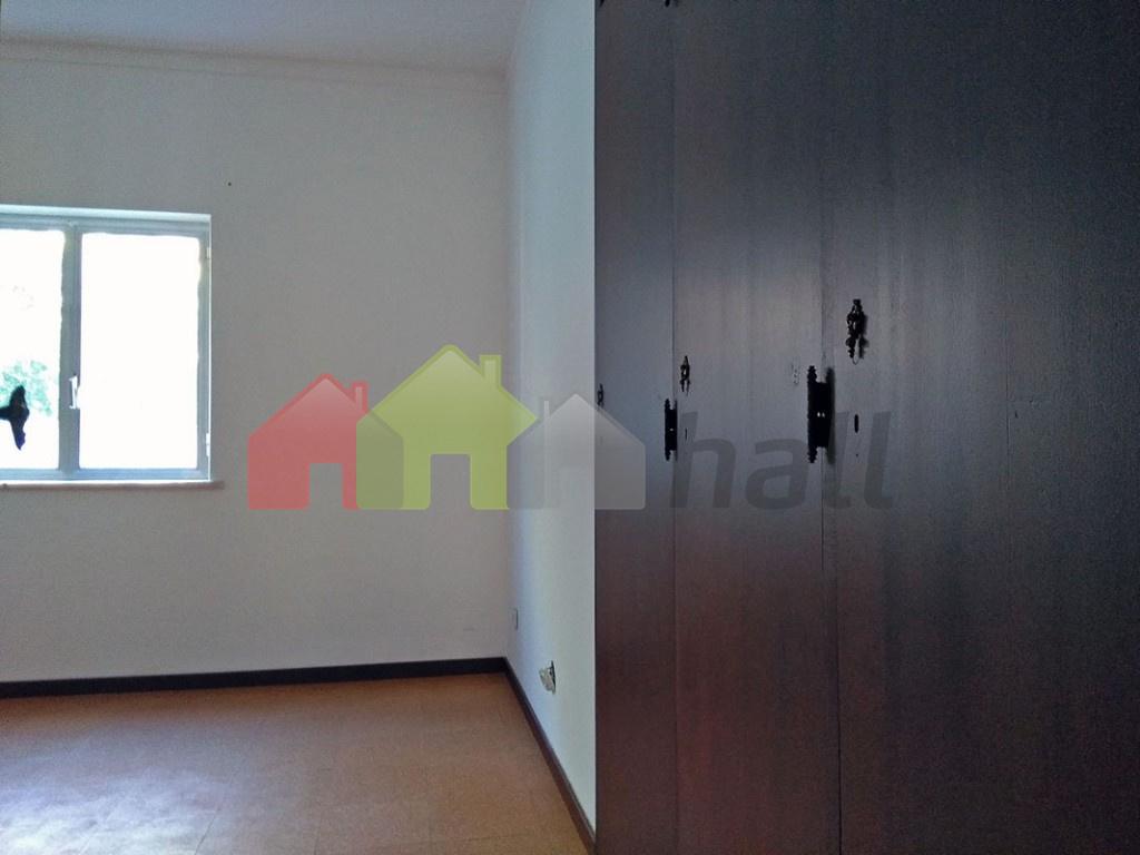 Quarto Suite 3 roupeiro (vista este)