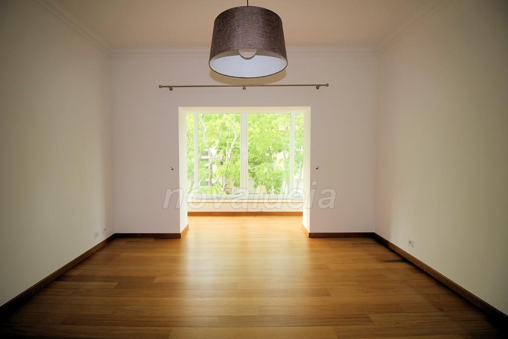 Sala comum com varanda fechada